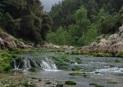 cercanos río y playa Guadamía a 10 minutos andando