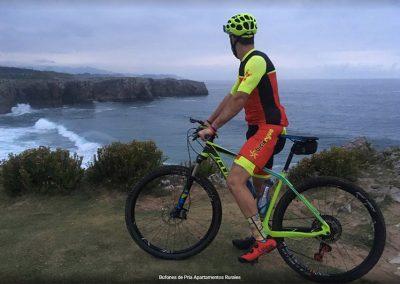 Asturias playa y  rutas en bicicleta bufones
